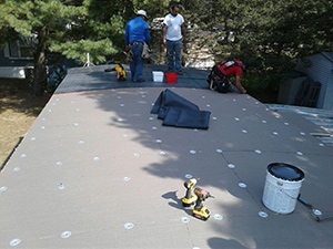 installing rubber roof